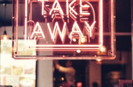 """Enseigne lumineuse rouge """"Take away"""""""